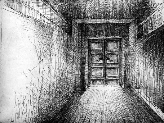 Im Erdgeschoss leuchtet es hinter der Tür geheimnisvoll